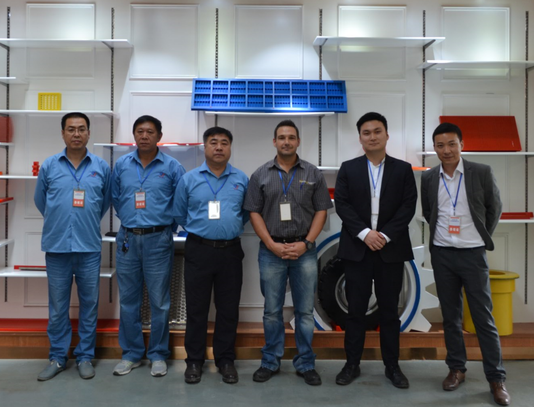Warmly welcome Mr.Derrick to visit our factory.