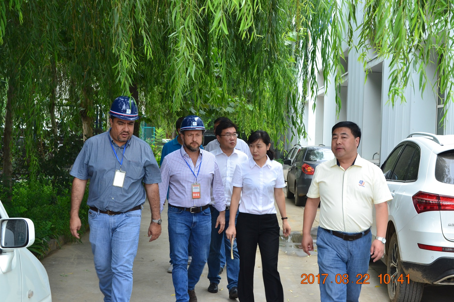 Warmly Welcome Mr.Jaime Davila G. and Mr.Miguel Zevallos to visit our factory.